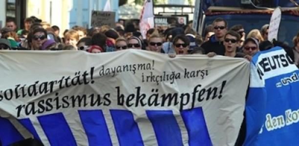 Ob Staat oder Volksmob, ob Bozkurts oder NPD – Rassismus angreifen!