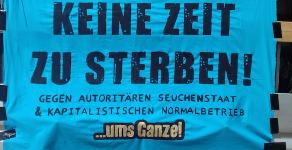 Autokorso der Solidarität: Knapp 300 Menschen kritisieren Bremer Flüchtlingspolitik